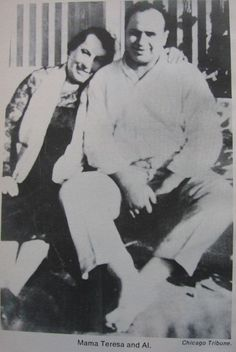 Alphonse Gabriel Capone, also known as Al Capone, (January 1899 – January was an American gangster who attained fame during the Prohibition era as the co-founder and boss of the Chicago Outfit. - with his Mother Teresa Real Gangster, Mafia Gangster, Old Photos, Vintage Photos, Italian Mobsters, Chicago Outfit, Mafia Families, Al Capone, My Kind Of Town