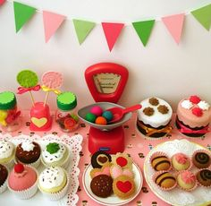 Felt food bakery/sweet shop