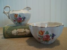 ViNtAgE Rochelle Fine China Creamer and Sugar Set by blissfulfinds, $14.00
