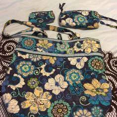 Vera Bradley tote and change holder and wristlet Blue flower great shape no stains no rips no tears no wear and tear only used a couple of times 100% auth Vera Bradley Bags Totes