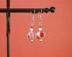 Red and white beaded earrings https://www.etsy.com/listing/195806384/red-and-white-beaded-earrings-dangle #BMRTG #SNRTG #etsyretwt #EtsyRT #etsymntt