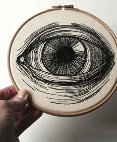 Embroidered Eye by Sam P Gibson from Northampton, England, United Kingdom ~ The detail is amazing! I can barely DRAW an eye.let alone stitch one! Embroidery Hoop Art, Hand Embroidery Patterns, Cross Stitch Embroidery, Embroidery Designs, Thread Painting, Textile Art, Hand Stitching, Crafty, Sewing