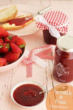 Mermelada de fresa. Receta de mermelada de fresa casera paso a paso. La mermelada de fresa es una de las mermeladas más apreciadas, y hacerla es muy fácil.