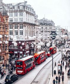 Christmas in London…. Weihnachten in London …. City Of London, London Eye, Oxford London, London Winter, London Christmas, London Snow, England Christmas, Europe Destinations, Holiday Destinations