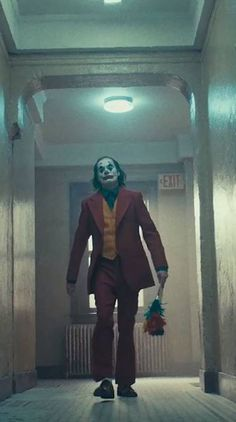 that's my clown dad Le Joker Batman, Batman Comics, Joker And Harley Quinn, Joaquin Phoenix, Dc Comics Peliculas, Batman Wallpaper, Disney Wallpaper, Joker Film, Robin