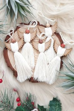 Set of Natural Cotton Angel Christmas Decorations Christmas Angels, All Things Christmas, Christmas Time, Winter Christmas, Angel Ornaments, Handmade Ornaments, White Xmas Tree, Angel Crafts, Macrame Design