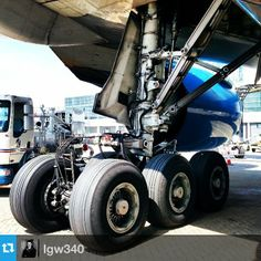 This pic of the wheels of a #vietnamairlines #777 comes from @lgw340. Vietnam Airlines flies from Gatwick's North Terminal to both Hanoi and Saigon / Ho Chi Minh City
