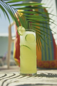How To Make Caribbean Style Jamaican Lemonade: Limeade Beverage
