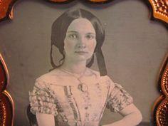 pretty-victorian-woman-daguerreotype-photograph