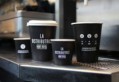 The Distributrice reinvents the takeout coffee service by taking over the smallest commercial space in Montréal. Next to one of the most popular subway station, a barista serves you espresso, americano and latté directly on the street.