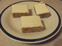 orechovy kolac so zltkovou polevou recept