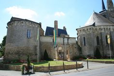 chateau-de-martigne-briand_a.JPG (1020×680)