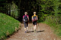 Nordic Walking - Physiotherapy Exercise Classes in Falkirk : Life . Nordic Walking, Marche Active, Road Trip Outfit, Road Trip Packing List, Great Walks, 65 Years Old, The Camino, Saint James, Ways To Travel