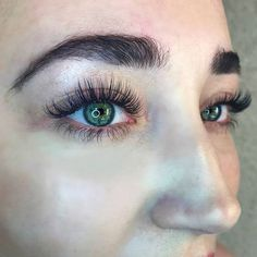 Glamour Classic Doll Eye Extensions not envious at all! This look suits those with longer / almond shaped eyes also good for heavy / hooded eyes. #dolleyeslashes #lashextensions #lashgame