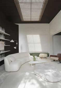 House Dendê Duratex is the first complete house designed by Nildo José, in Casacor Sao Paulo Large Bookshelves, Cabinet D Architecture, Interior Architecture, Architectural Materials, Home Themes, Interior Design Work, Arch Interior, Design Interiors, Natural Stone Flooring