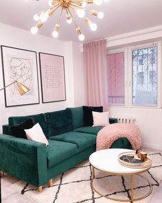 room paint ideas living room furniture room layouts living room living room room setup size rug for living room room interior design Daybed In Living Room, Mirror Decor Living Room, Living Room Sets, Decor Room, Rugs In Living Room, Living Room Furniture, Home Decor, Mirror Room, Room Rugs