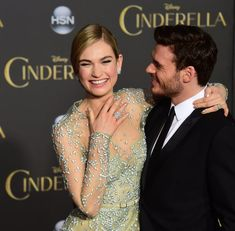 Lily James and Richard Madden at Cinderella Premiere Cinderella Movie, Cinderella 2015, Lily James, Tv Show Couples, Cute Couples, Richard Madden Shirtless, Pretty People, Beautiful People, Beautiful Men