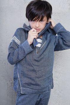 Ceremonia - Pas a Pas Manresa Boy Models, Child Models, Boys Sweaters, Winter Sweaters, Little Boys, My Boys, Kids Photography Boys, Winter Gear, Actor Photo