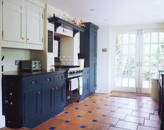 How my kitchen looks now, with base units painted in Hague blue, and top units painted in Clunch, both Farrow & Ball. Hague Blue Kitchen, Blue Kitchen Island, Blue Kitchen Cabinets, Kitchen Units, Home Decor Kitchen, Kitchen Furniture, Kitchen Interior, New Kitchen, Home Kitchens