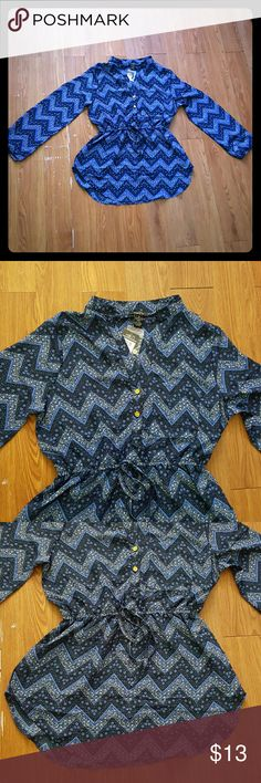 Black and Blue 3/4 Sleeves Blouse Cute blouse chevron pattern. 3/4 Sleeves. It has a lace that ties innthe front. Two buttons down. Rue 21 Tops Blouses