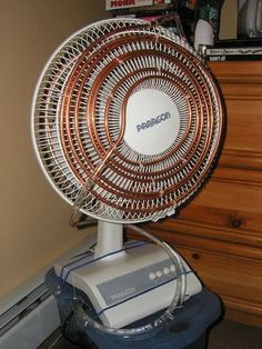 Make Your Own Air Conditioner At Home Using Household Items Homemade Air Conditioner, Hinge And Bracket, Cool Tents, Do It Yourself Projects, Home Hacks, Budget, Household Items, Make Your Own, Home Appliances