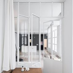 When renovating or building a new home, it's really important to consider the design of your doors and windows. Although these important elements tend to fall to the wayside more often than not, putting a little bit of thought into them can make such an impact and really transform your space. Take for example these beautiful glass dividing doors, designed by #septembrearchitecture which flood the apartment with light, and still section-off rooms without loosing that feeling of space which…