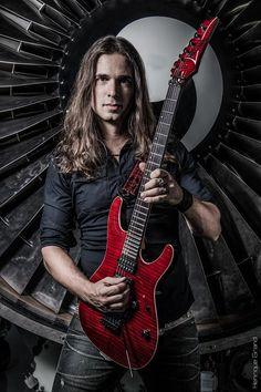 https://www.facebook.com/KIKOLOUREIROofficial/photos/a.430528352251.228529.30379242251/10152654634507252/?type=1 #KikoLoureiro Mega Talented Guitarist  Meet #Megadeth 's New Guitarist Kiko Loureiro of Angra ♫♪ⒸⓄⓄⓁ and ♫♪ⒶⓌⒺⓈⓄⓂⒺ♫♪ A kickaxe addition to the band!!