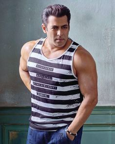 Salman Khan attitude pictures collection & handsome look - Life is Won for Flying (wonfy) Bollywood Songs, Bollywood Actors, Bollywood Celebrities, Salman Khan Wallpapers, Salman Khan Photo, National Film Awards, Movie Teaser, Stylish Dpz, Star Images