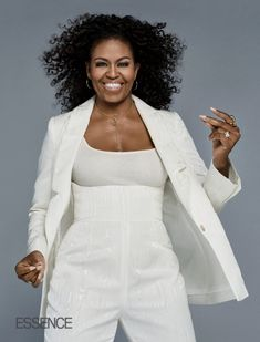Michelle Obama Was Drawn To Barack Because 'He Showed Me He Respected Women' Michelle Et Barack Obama, Michelle Obama Quotes, Barack Obama Family, Michelle Obama Fashion, Obamas Family, Durham, Curly Hair Styles, Natural Hair Styles, Natural Curls