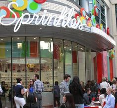 Sprinkles new store in Las Vegas at The LINQ (Photo credit: Robyn Andrzejczak)