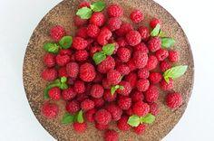 Raw chocolate raspberry cake