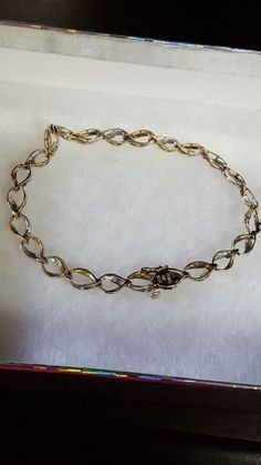 Two tones gold. Please read and see the pictures for details. Real Gold Bracelet, Vintage Bracelet, Two Tones, Chain, Bracelets, Pictures, Jewelry, Photos, Ancient Bracelet