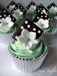 Mint Chocolate Cupcakes by Sugar Ruffles, via Flickr