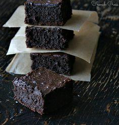 flourless dark chocolate brownies| heathersfrenchpress.com #GF #brownies