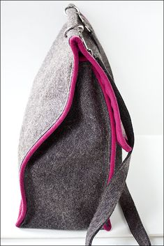 Sweet Felt Messenger Bag idea. Wow!