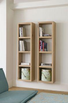 Zwevende boekenkast met open vakken