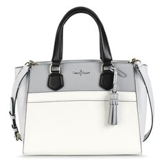 I would never have thought that I'd be a #ColeHaan purse fan but this Berkeley Small Satchel has changed my mind.