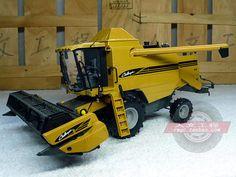 Large agricultural combine alloy car model Challenger UH 1-32 #UHUniversalHobbies #Challenge