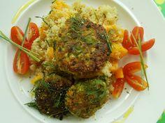 Chickpea-zucchini burgers with quinoa-pumpkin salad. Zucchini Burgers, Pumpkin Salad, Quinoa, Real Food Recipes, Spaghetti, Eat, Ethnic Recipes, Kitchen, Squash Salad
