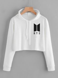 Source by sudaderas Bts Hoodie, Bts Shirt, Crop Top Hoodie, Kpop Fashion Outfits, Korean Outfits, Trendy Outfits, Mode Kpop, Bts Clothing, Bts Inspired Outfits