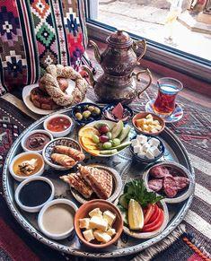 Breakfast Presentation, Food Presentation, Iran Food, Middle East Food, Breakfast Platter, Turkish Breakfast, Food Garnishes, Food Decoration, Food Platters