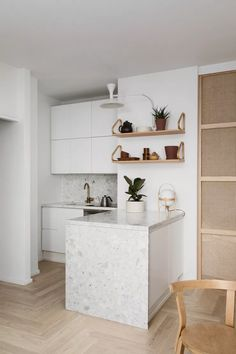 Terrazzo, French Kitchen Decor, Interior Design Kitchen, Minimal Kitchen Design, Etagere Design, Minimalist House Design, Home Renovation, Interior Inspiration, Home Kitchens