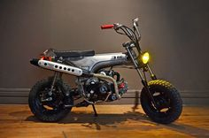 Honda Dax, by Low budget customs. Honda Bikes, Honda Motorcycles, Custom Motorcycles, Custom Bikes, Custom Cars, Street Tracker, Classic Motors, Classic Cars, Custom Mini Bike
