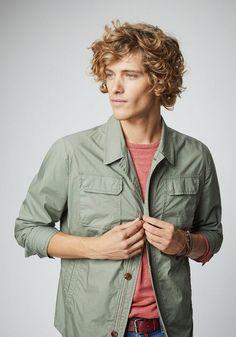 PIERRE CARDIN Hemdjacke, superleicht - Regular Fit ab 159,99€. Superleichte Hemdjacke aus Baumwolle im Regular Fit, Stitching-Details aus Regenbogengarn bei OTTO