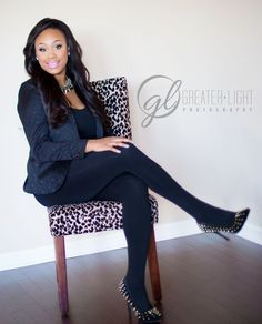 Business headshots for Nashville cosmetologist. Business Headshots, Corporate Headshots, Business Portrait, Business Photos, Creative Business, Corporate Photography, Headshot Photography, Photography Branding, Photography Ideas