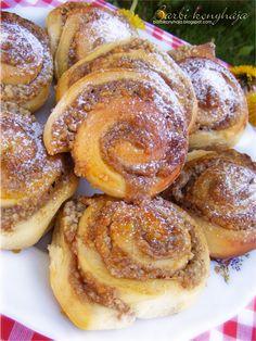 Barbi konyhája: Zserbó csiga Vicuska hűtőben kelt csodatésztájából