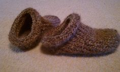 Loom Knit Clog Slippers  by Dayna Scoles  This pattern is available for $1.99 USD