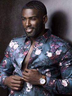 That one dark skin man with the perfect teeth Hot Black Guys, Fine Black Men, Gorgeous Black Men, Handsome Black Men, Black Boys, Fine Men, Beautiful Men, Beautiful People, Black Man