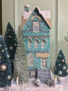 Putz houses from retro to traditional. Add to your Christmas village display with a new putz house that light up. Find your glitter paper putz house here! Magical Christmas, Retro Christmas, Christmas Home, Christmas Glitter, Christmas Trees, Christmas Village Display, Christmas Villages, Christmas Decorations, Putz Houses