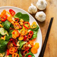 Plantui Pok Choy Salad Recipe Carrot Cucumber Pepper Nuts Leaf Vegetable, Smart Garden, Wok, Caprese Salad, Cooking Time, Salad Recipes, Spinach, Food To Make, Cabbage